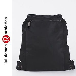 🆕 [lululemon] in a cinch pack backpack